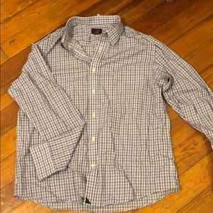 Untuckit plaid button up